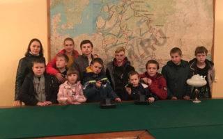 В сентябре 2018 года воспитанники «Октябрьского СРЦН» проводили для нас экскурсию по своему району.